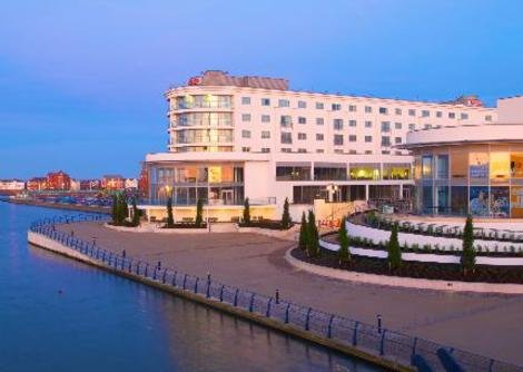2nts BB+Dinner 1nt Ramada Plaza Hotel