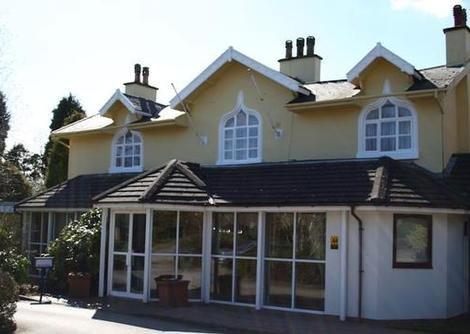 Stone House Hotel, Stone
