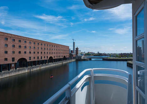 Base Serviced Apartments - The Docks, Liverpool