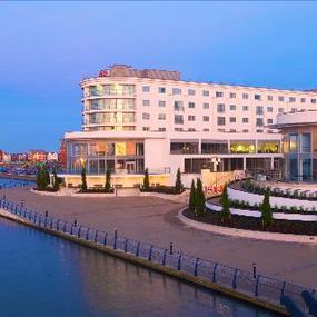 Late Offer BB Ramada Plaza Hotel