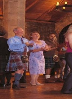Enjoy entertainment and tribute acts in hotels in England, Scotland  & Wales